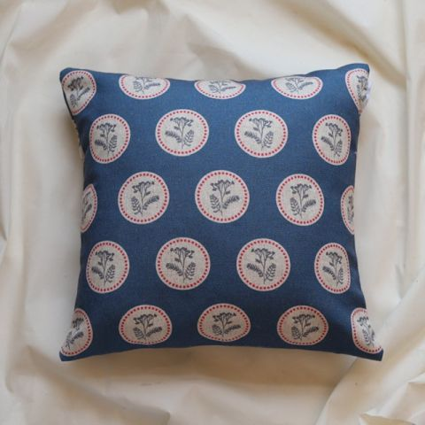 RINGS CUSHION BLUE